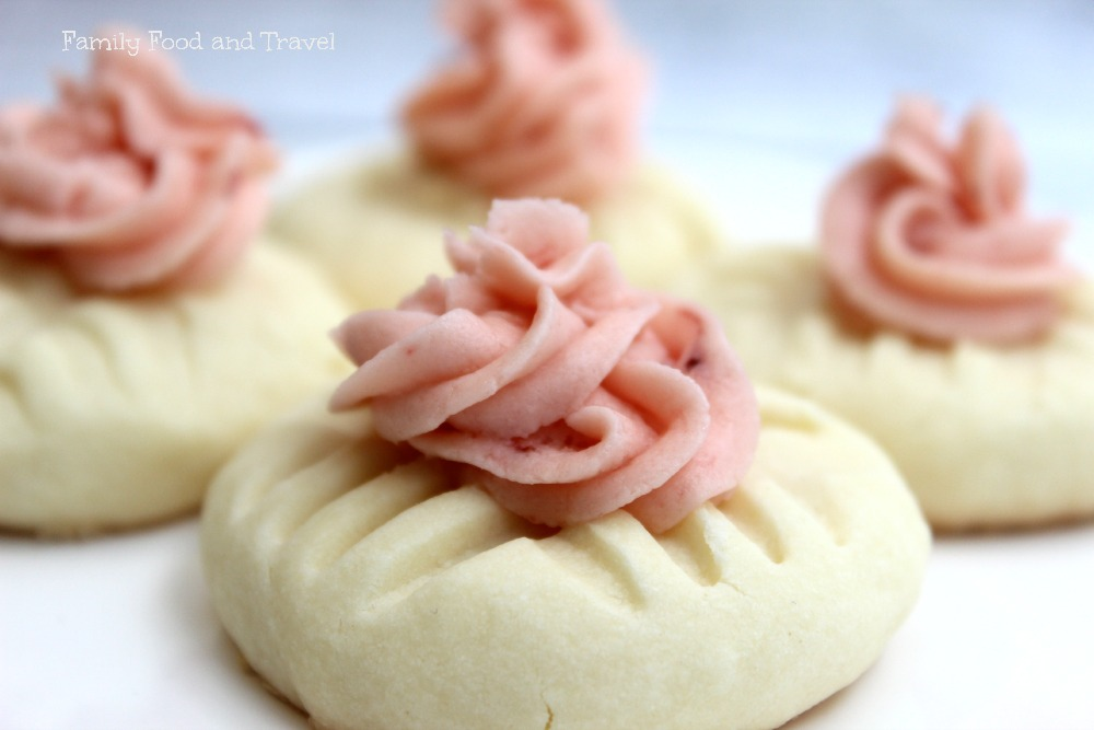 Strawberry-Buttercream-topped-sugar-cookies