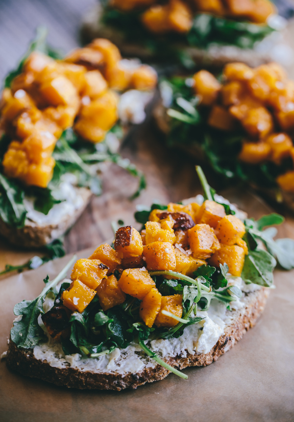 butternut-squash-arugula-roasted-garlic-goat-cheese-tartine-1-5