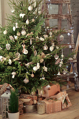 simple ways to add rustic charm to your Christmas this year 2