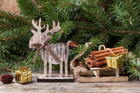 simple ways to add rustic charm to your Christmas this year 3