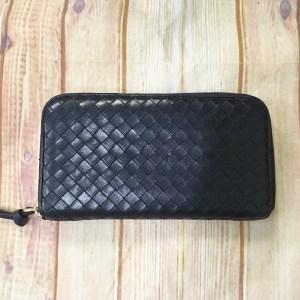 ボッテガのイントレチャート財布