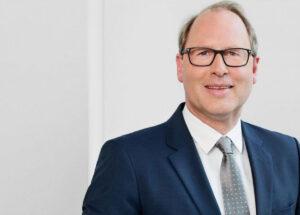 """HDE-Chef Stefan Genth: """"Ich verstehe, dass Einzelhändler sagen, sie fühlen sich hier ungleich behandelt und werden wahrscheinlich dann auch den Weg über Gerichte gehen müssen."""""""