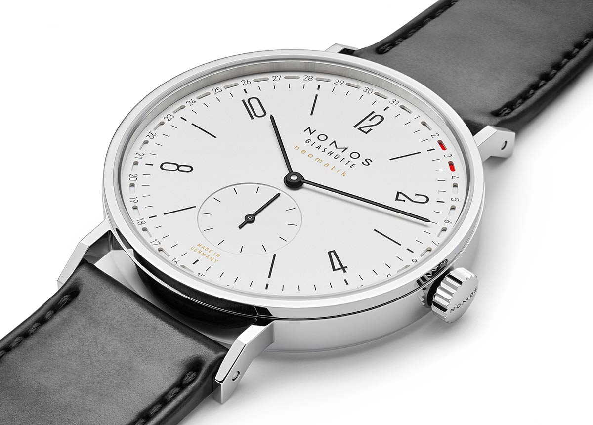 Mit dem Green Good Design Award 2021 für Tangente Update wird nun auch die Umweltfreundlichkeit dieser Uhr gewürdigt.