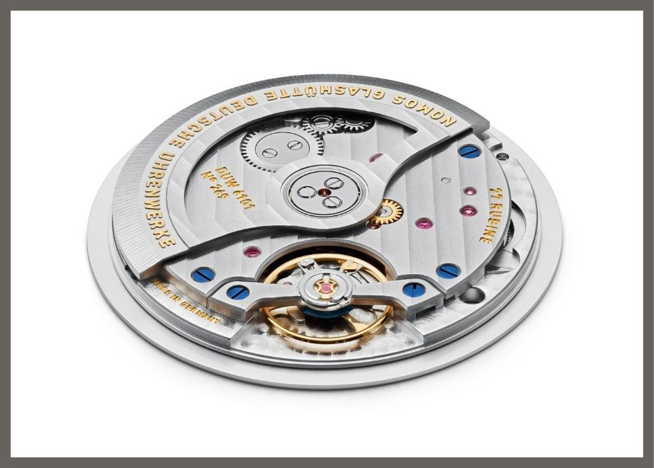 neomatik-Uhrwerk mit Datumsanzeige DUW 6101, mit nur 3,6 Millimeter sehr flach
