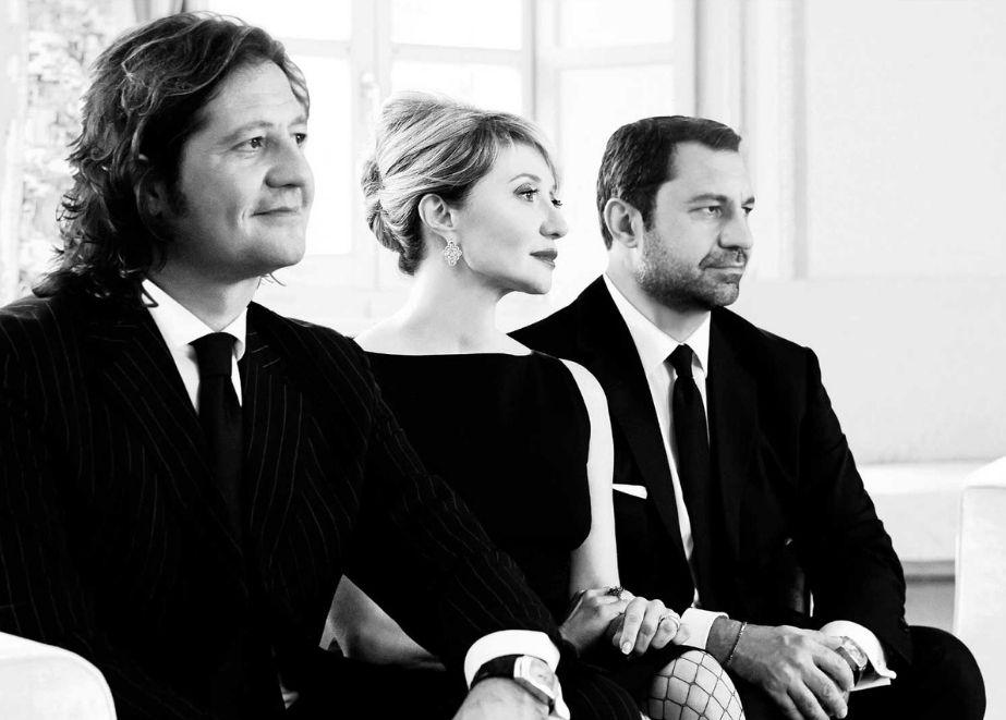 Die dritte Generation – Giorgio, Silvia und Guido Damiani – ist heute im Unternehmen tätig und hat mit Jerome Favier einen konzern- erprobten CEO mit an Bord.