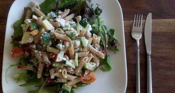 Salad4lunch met geitenkaas en volkorenpasta