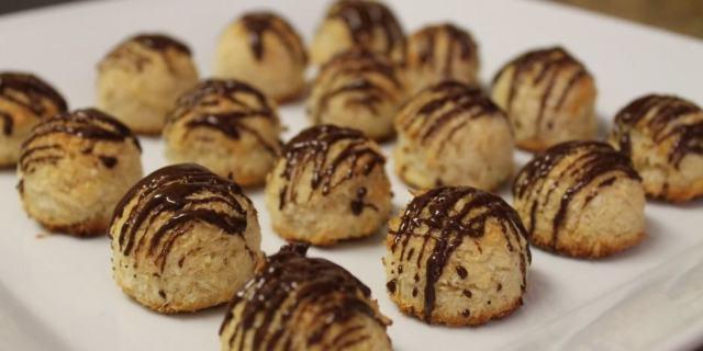 Gluten-Free Coconut Macaroons