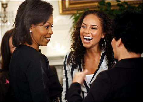michelle-obama-alicia-keys-whitehouse