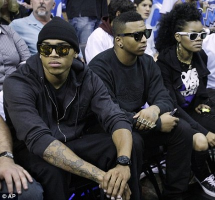 rihanna-lookalike-lakers-game-chrisbrown