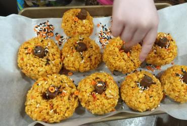 Halloween Pumpkin Shaped Rice Krispies Treats