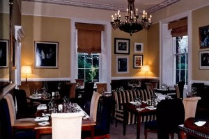 Killarney_-_Great_Southern_Hotel_dining_area_-_geograph.org.uk_-_1640275