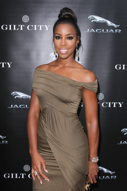 KellyRowland-Jaguar F type  launch party