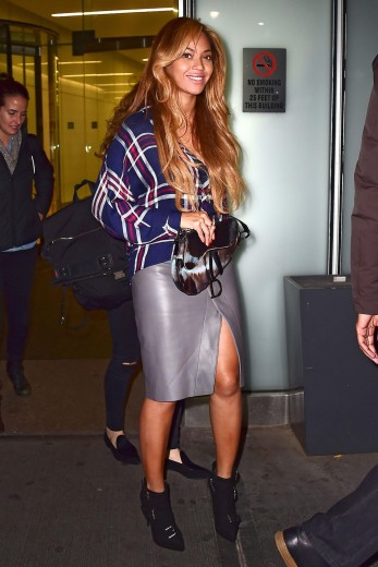 essencecom-beyonce-knowles-is-seen-in-midtown-in-new-york-city_347x520_6