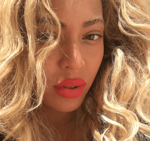 Beyoncé Instagram red lipstick