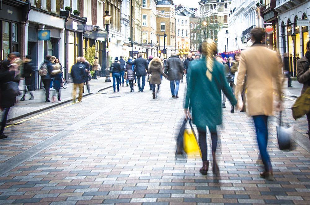 People-shoppers-walking
