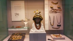 Sumerian court jewellery from Ur (2500 BC), from early Iraq.
