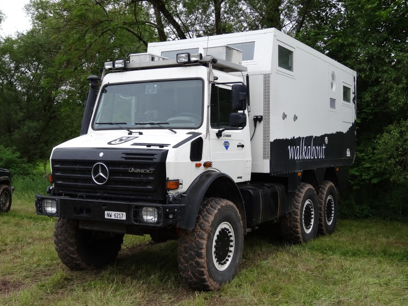 Unicat on a Unimog (Klaus Nahr from Germany - Abenteuer Allrad 2013 437 Unimog, CC BY-SA 2.0, https://commons.wikimedia.org/w/index.php?curid=28396062)