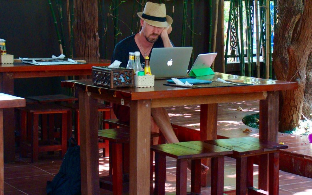 What's The Buzz With Digital Nomad-ing?