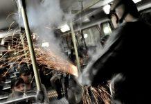 Acionamento da pastilha de emissão lacrimogênia