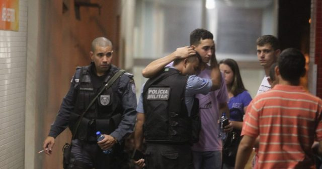 Policial baleado