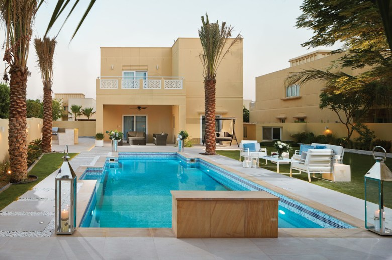 Swimming pool in The Meadows Dubai