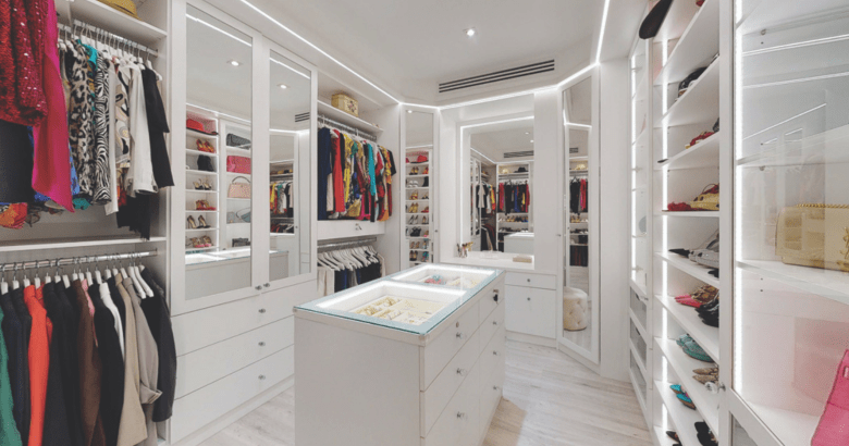 Walk-in wardrobe by Smart renovations