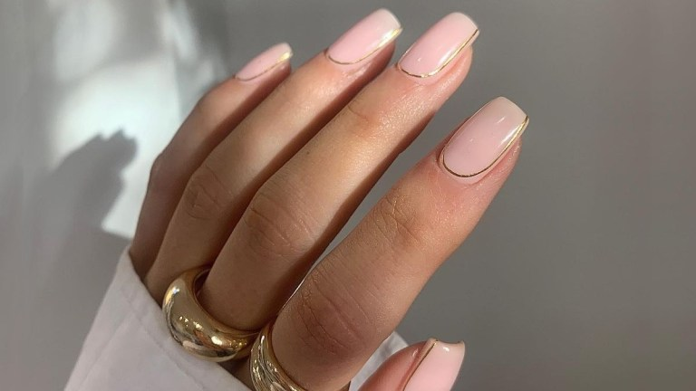 On Our Radar: Solid Gold Manicure Trend
