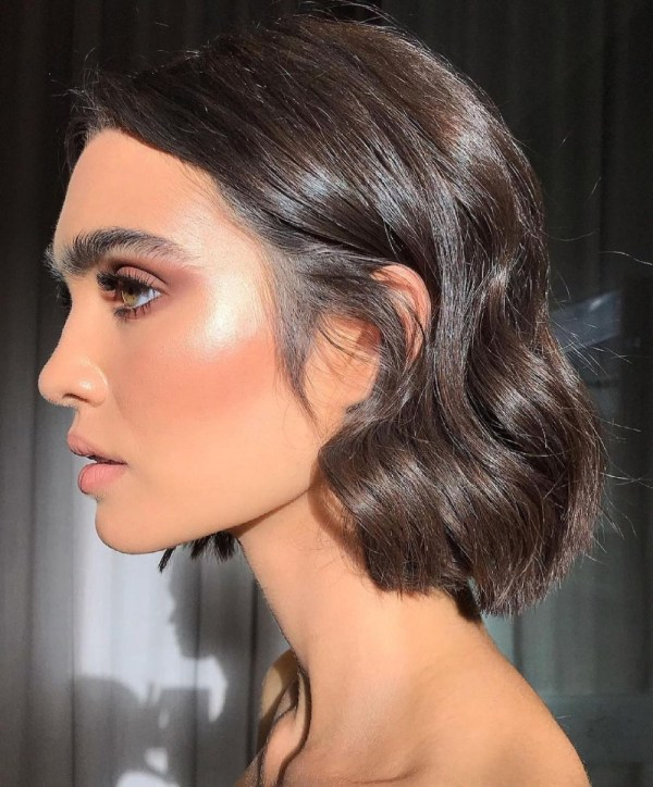 Iridescent Highlighter - Makeup by Leah Baines