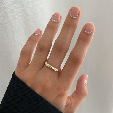 Autumn 2021 Nail Art Trends: Foil Nails by Betina Goldstein