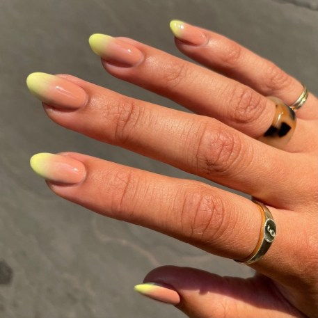 Autumn 2021 Nail Art Trends: Gradient Nails by Paintbox