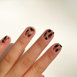 Autumn 2021 Nail Art Trends: Tortoiseshell Nails by The Nailtrap Academy