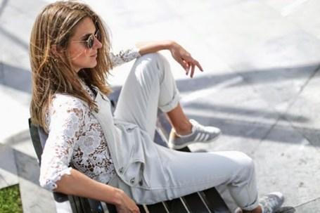 Clochet-streetstyle-mango-white-jumpsuit-grey-adidas-gazelle-13