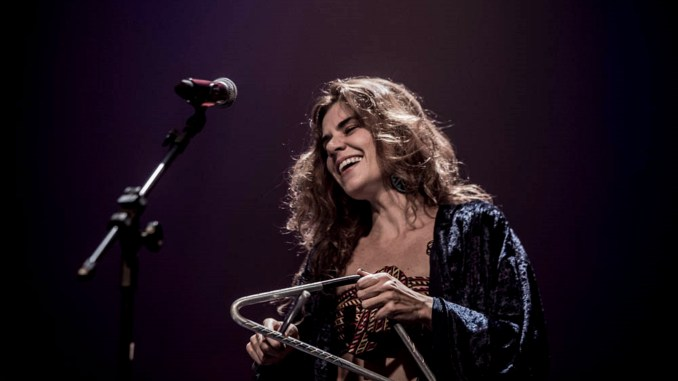 Mariana Aydar. Créditos: Van Campos