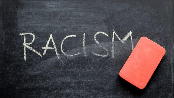"""Racismo Recreativo: """"Humor"""" racista não é brincadeira"""