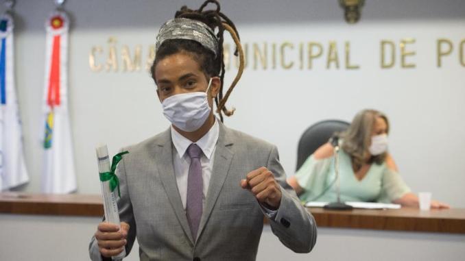 Vereadores não cantam hino considerado racista na Câmara de Porto Alegre