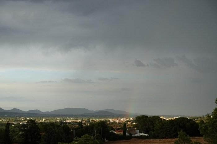 Arc de sant Martí naixent des de Bétera després de la tempesta. (22/07/2015, 20:27 h.)