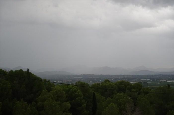 Una tempesta descarregava a la serra Calderona l'1 d'agost, a les 8 del matí.