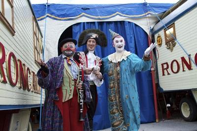 'Zirkòlika' explica la història dels tres artistes catalans enrolats al prestigiós circ Roncalli