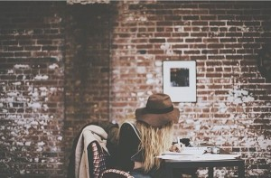 chica_escribiendo