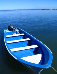 blue-boat-1450531-639x852