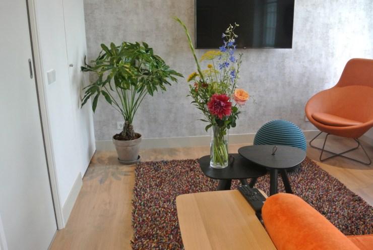 Onze Hospitality Bloemen en Planten Service wordt voor elk hotel en B&B op maat gemaakt en de formaten zijn afgestemd op de kamers. Gasten kunnen altijd kiezen tussen S, M en L