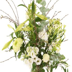 Geplukt kerstboeket witte bloemen in glazen melkbus vaas bestellen of bezorgen