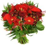 Rode bloemen en hartjes bestellen of bezorgen