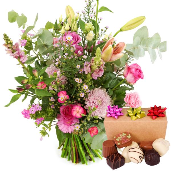 Roze bloemen met bonbons bezorgen bestellen of bezorgen