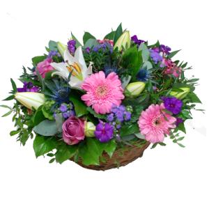 Bloemstuk roze lila in mandje bestellen of bezorgen online