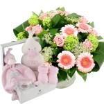Geboorte cadeau bambam roze wit met boeket bestellen of bezorgen online