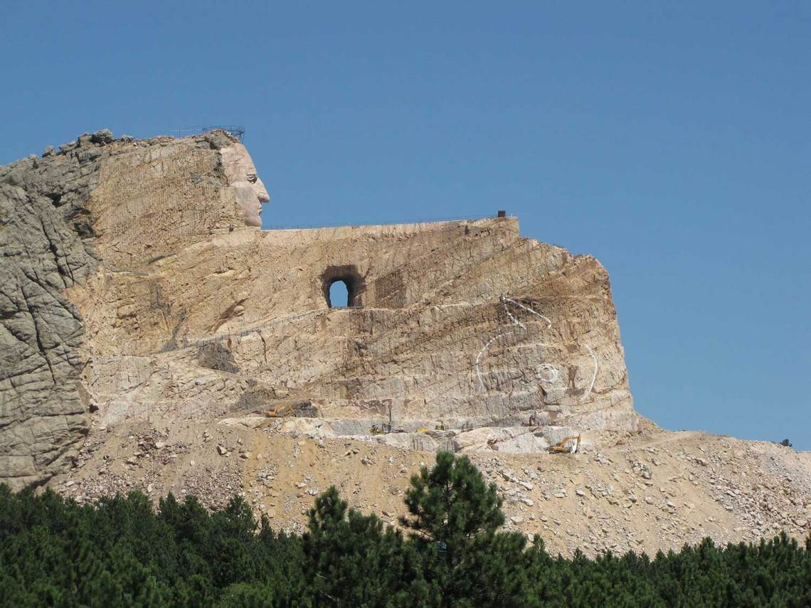 crazy horse volksmarch memorial