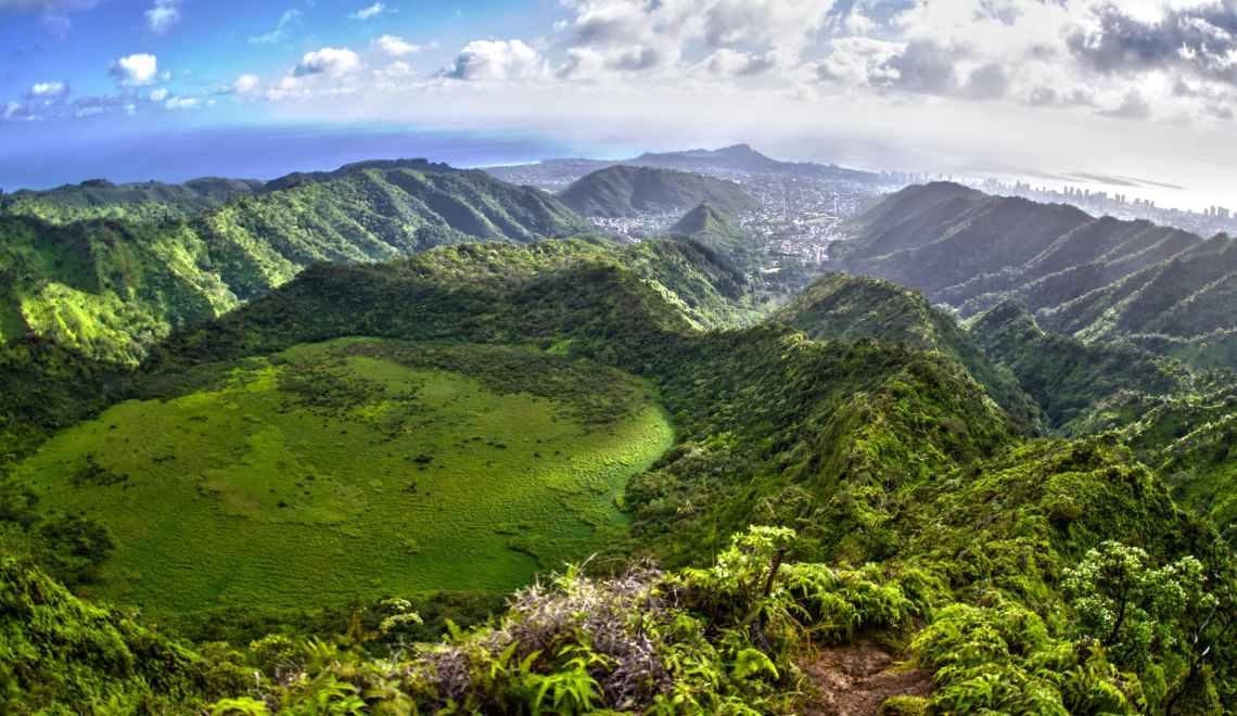 Overlooking Ka'au Crater hike on O'ahu