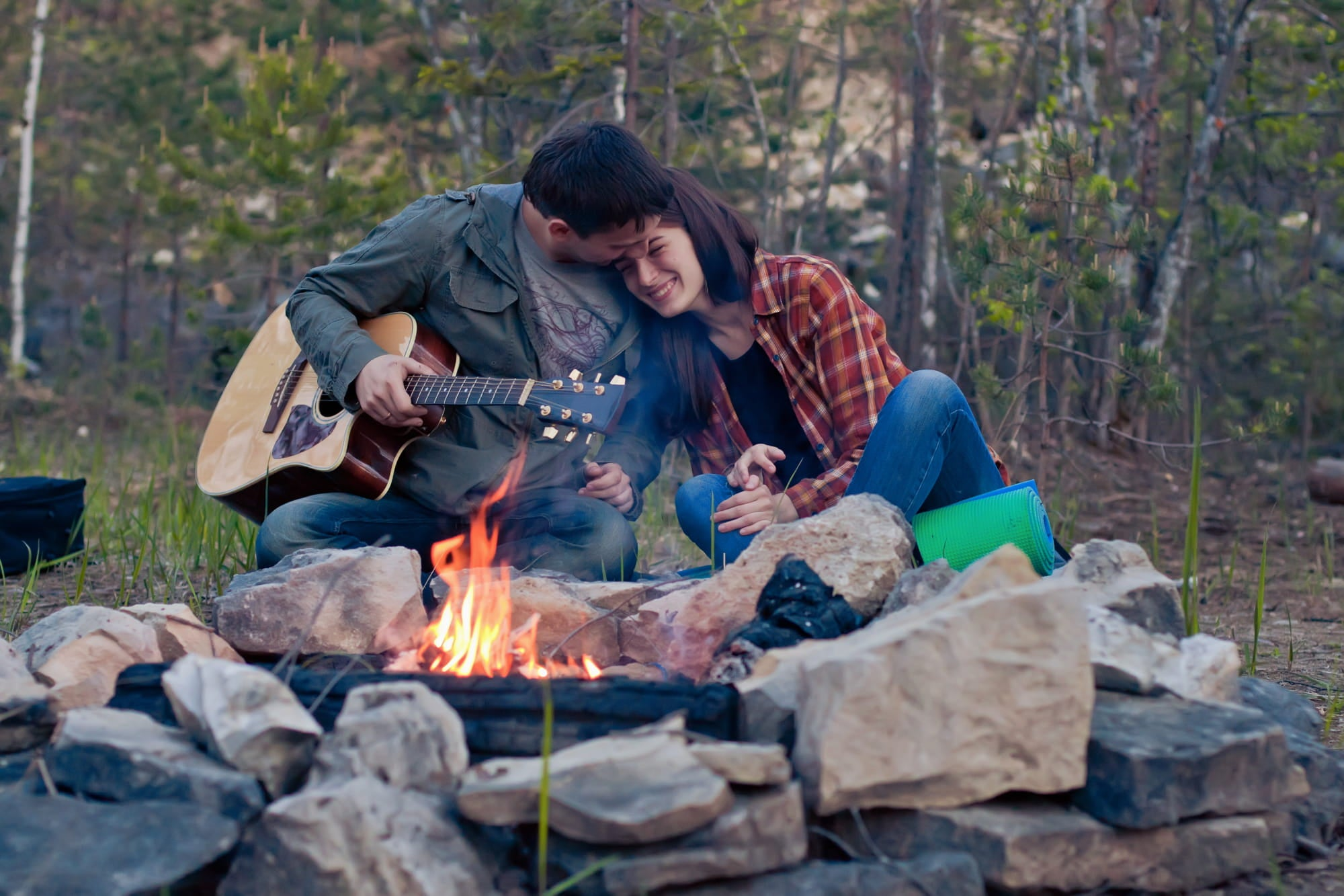 8 Ideas for a Romantic Camping Trip all Year Long