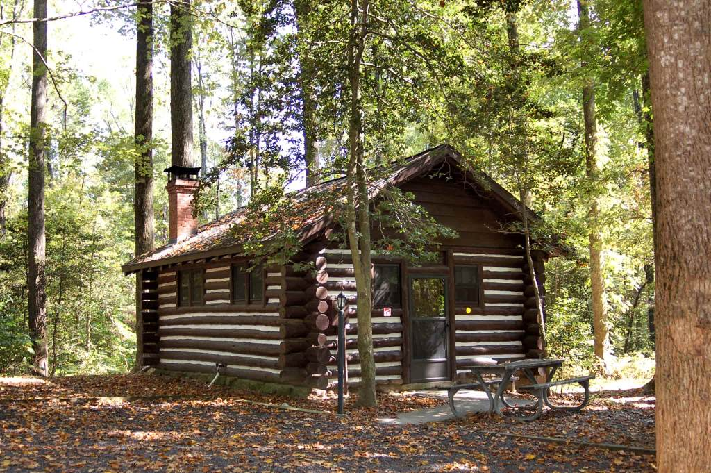 a camping cabin in the woods in westmoreland state park